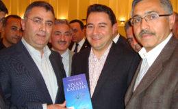 minister-ali-babacan-ontvangt-het-nieuw-boek-van-veyis-gungor